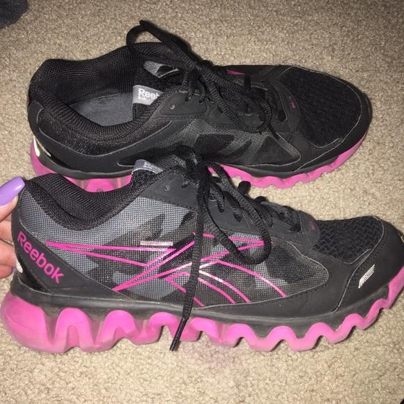 6f4370e51f99 Women s breast cancer Reebok ziglite running shoes.  M 5acbd9beb7f72b6c5028174a